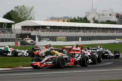 Start, Lewis Hamilton, McLaren Mercedes, MP4-23