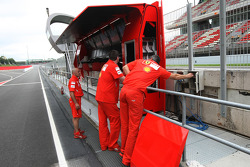 Scuderia Ferrari use two pit gantries