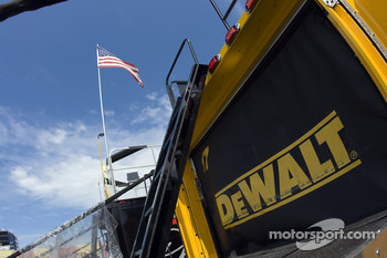 The DeWalt Hauler