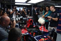 Miss France with Sébastien Bourdais, Scuderia Toro Rosso