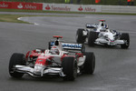 Jarno Trulli, Toyota Racing, TF108 and Nick Heidfeld, BMW Sauber F1 Team, F1.08