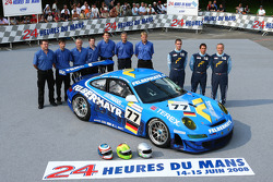 #77 Team Felbermayr-Proton Porsche 911 GT3 RSR: Alex Davison, Wolf Henzler, Horst Felbermayr Jr.