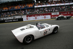 #32 Ford GT 40 1965: Philip Walker, Danny Wright
