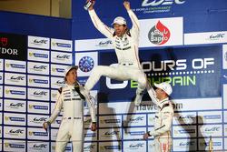 Die WEC-Champions 2015: Mark Webber, Brendon Hartley, Timo Bernhard, Porsche Team