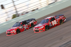 Kurt Busch, Stewart-Haas Racing Chevrolet and Ryan Preece