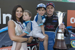 2015 V8 Supercars Champion Mark Winterbottom, Prodrive Racing Australia Ford celebrates with his family