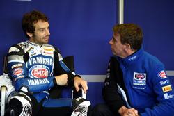 Sylvain Guintoli with Paul Denning, Pata Yamaha  team principal