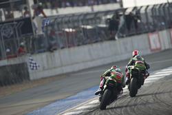 Winner Jonathan Rea, Kawasaki Racing Team and second place Tom Sykes, Kawasaki Racing Team