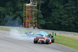 Ryan Hunter-Reay and Enrique Bernoldi tangle in corner 4
