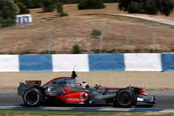 Pedro de la Rosa, Test Driver, McLaren Mercedes, MP4-23, with new nose wings