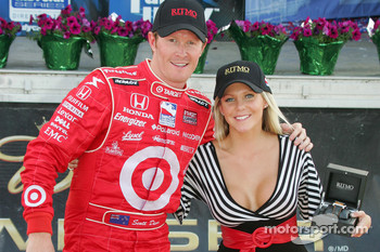 Race winner Scott Dixon in charming company