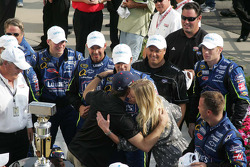 Jeff Gordon hugs Chandra Johnson in victory circle