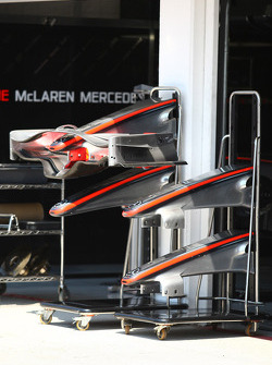 McLaren Mercedes, front wings
