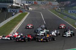 Start, Jarno Trulli, Toyota Racing, TF108, Sebastian Vettel, Scuderia Toro Rosso, STR03 and David Coulthard, Red Bull Racing, RB4