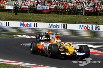 Nelson A. Piquet, Renault F1 Team, R28 leads David Coulthard, Red Bull Racing, RB4