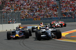 David Coulthard, Red Bull Racing, RB4 and Kazuki Nakajima, Williams F1 Team, FW30