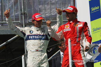 Podium: race winner Felipe Massa and third place Robert Kubica