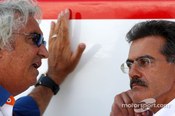 Flavio Briatore, Renault F1 Team, Team Chief, Managing Director, Dr. Mario Theissen, BMW Sauber F1 Team, BMW Motorsport Director
