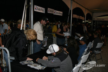 Autograph session: Buddy Rice