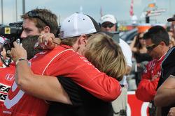 Scott Dixon hugs his mom before the race