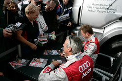Autograph session: Allan McNish and Rinaldo Capello