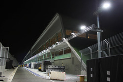 The Singapore circuit floodlit at night