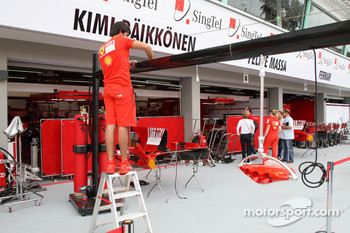 Scuderia Ferrari, setup the garage