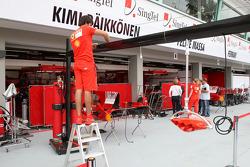 Scuderia Ferrari, setup the garage