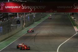 Felipe Massa, Scuderia Ferrari, F2008 leads Lewis Hamilton, McLaren Mercedes, MP4-23