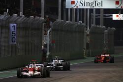 Jarno Trulli, Toyota F1 Team, Kazuki Nakajima, Williams F1 Team