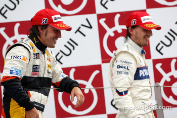 Podium: race winner Fernando Alonso and second place Robert Kubica
