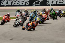 Start: Dani Pedrosa leads Andrea Dovizioso, Casey Stoner and Valentino Rossi