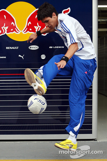 Murilo Dalvi Pitol, qualifier for the 2008 Red Bull Street Style World Finals
