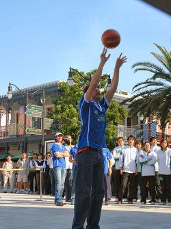 Basketball shootout: Matthew Marsh has a height advantage