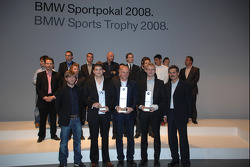 Dr Mario Theissen BMW Sauber F1 Team driver Nick Heidfeld with BMW Motorsport prize winners, 1st Franz Engstler, 2nd Richard Goeransson, 3rd Mat Jackson