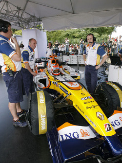 Nelson A. Piquet gets in the Renault F1 R28