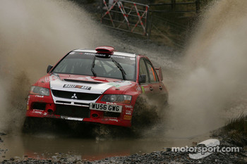 Guy Wilks and Phil Pugh, Mitsubishi Lancer Evo IX