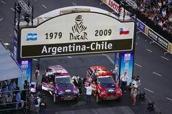#318 BMW X3 CC: Peter Van Merksteijn and Eddy Chevaillier, #316 BMW X3 CC: Leonid Novitskiy and Oleg Tyupenkin