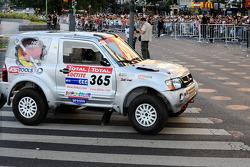 #365 Mitsubishi Pajero: Stephan Schott and Holm Schmidt