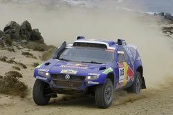 #305 Volkswagen Touareg: Giniel De Villiers and Dirk Von Zitzewitz