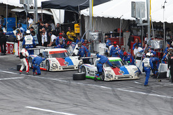 Last pit stops for #59 Brumos Racing Porsche Riley: Joao Barbosa, Terry Borcheller, JC France, Hurley Haywood and #58 Brumos Racing Porsche Riley: David Donohue, Antonio Garcia, Darren Law, Buddy Rice