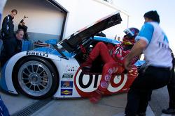 Juan Pablo Montoya practices drivers change