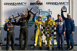 GS podium: class and overall winners Bill Auberlen and Matthew Bell, second place Hugh Plumb and Jack Roush, third place Dean Martin and Larry Rehagen