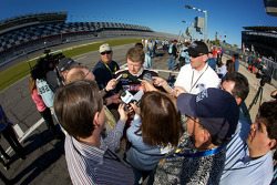 Media attention for Bill Elliott, Wood Brothers Racing Ford