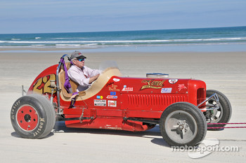 Living legends of auto racing beach parade: Jon Button