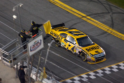 Matt Kenseth, Roush Fenway Racing Ford takes the yellow flag as the race is stopped because of the rain on lap 152