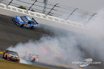 Aric Almirola, Earnhardt Ganassi Racing Chevrolet spins in turn 3
