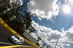#50 Racer Industries, Holden Astra: Gerard McLeod, Peter McLeod, Ryan McLeod
