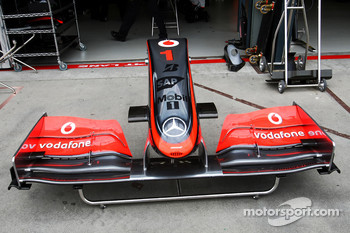 McLaren Mercedes, MP4-24, nose, detail