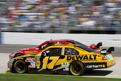 Matt Kenseth, Roush Fenway Racing Ford, Kasey Kahne, Richard Petty Motorsports Dodge
